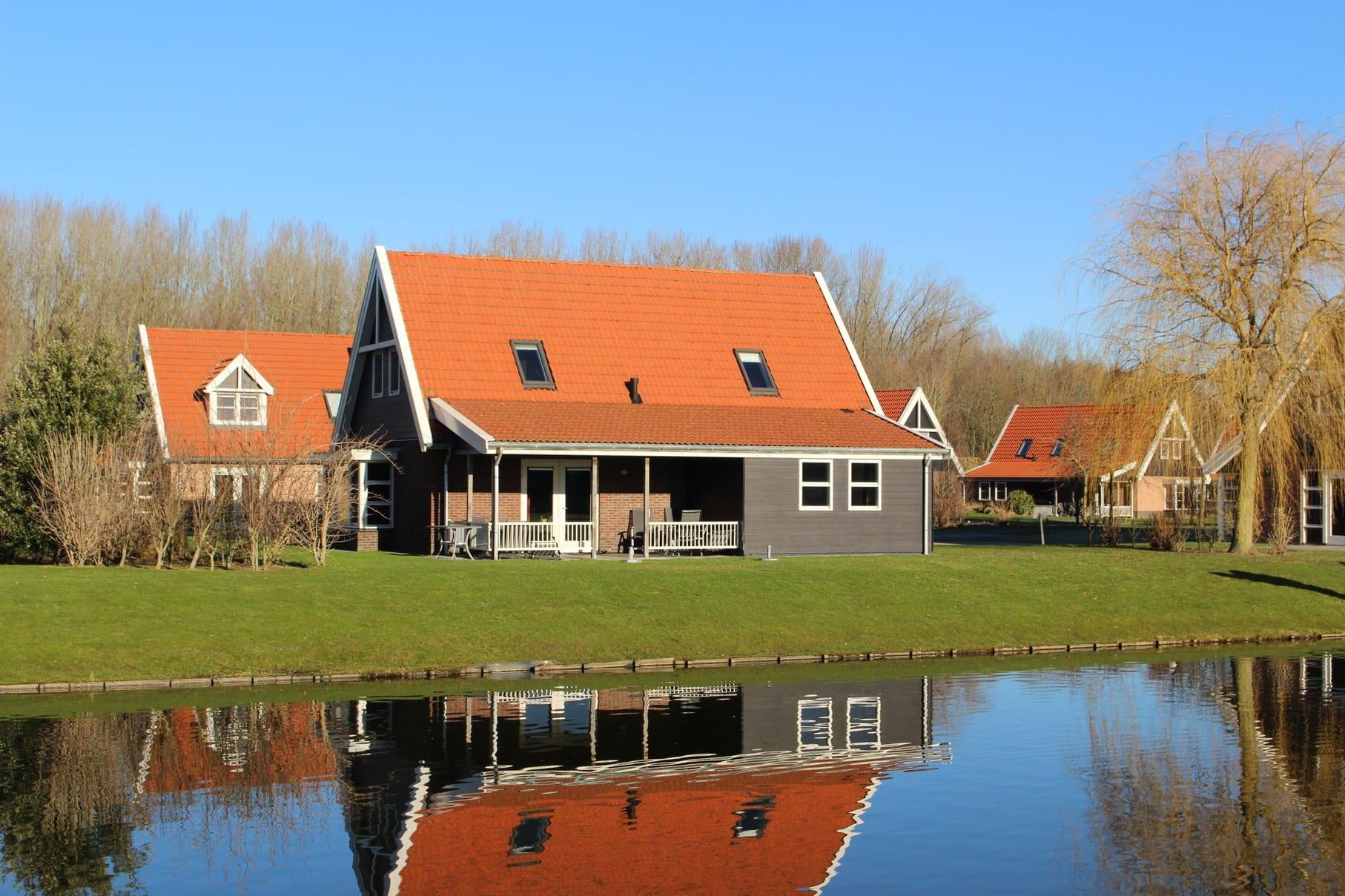 1 Vakantiehuis 1046 Waterparc Veluwemeer 10-pers.