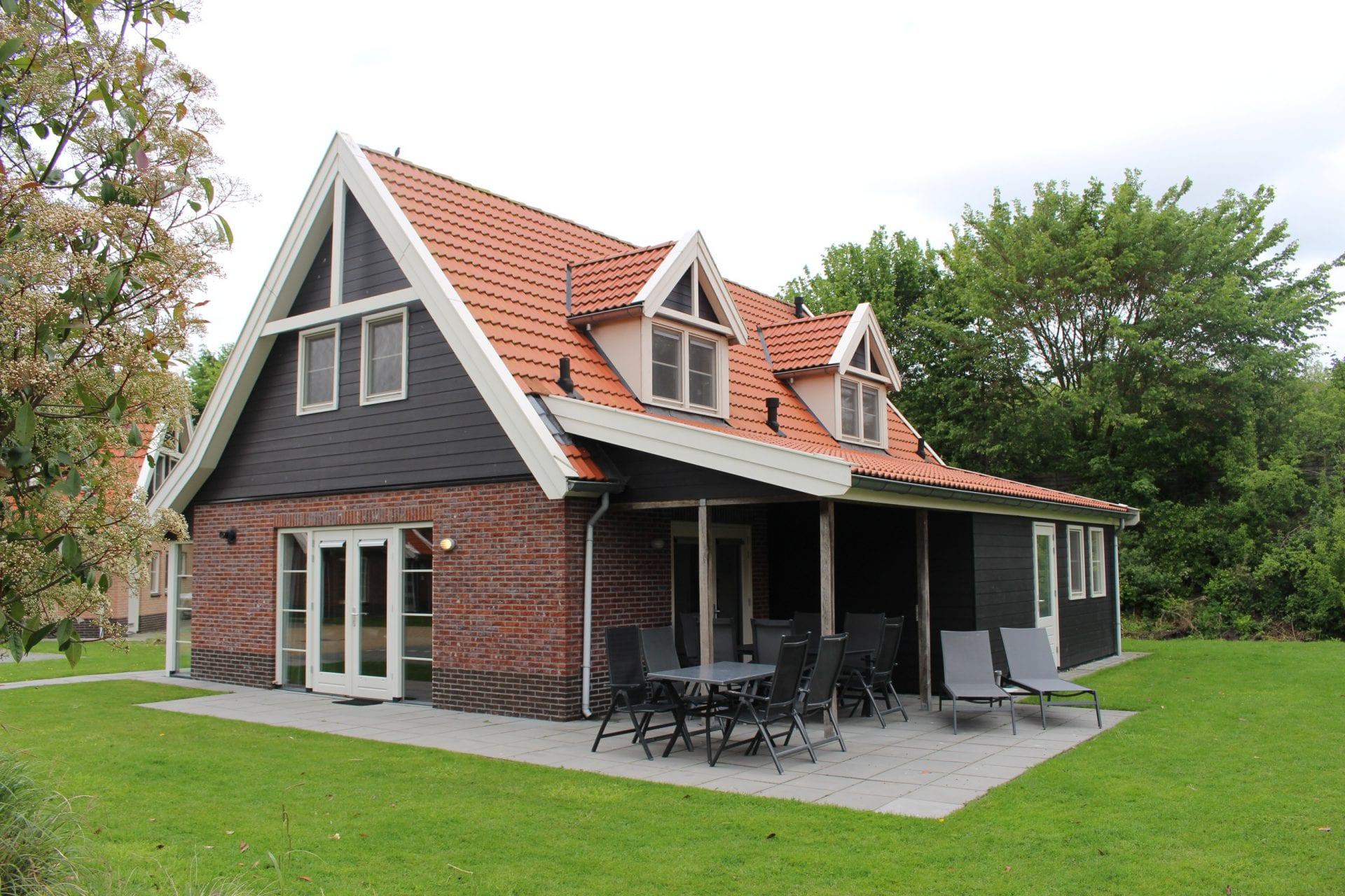 1 Vakantiehuis 1065 Waterparc Veluwemeer 10-pers. Wellness