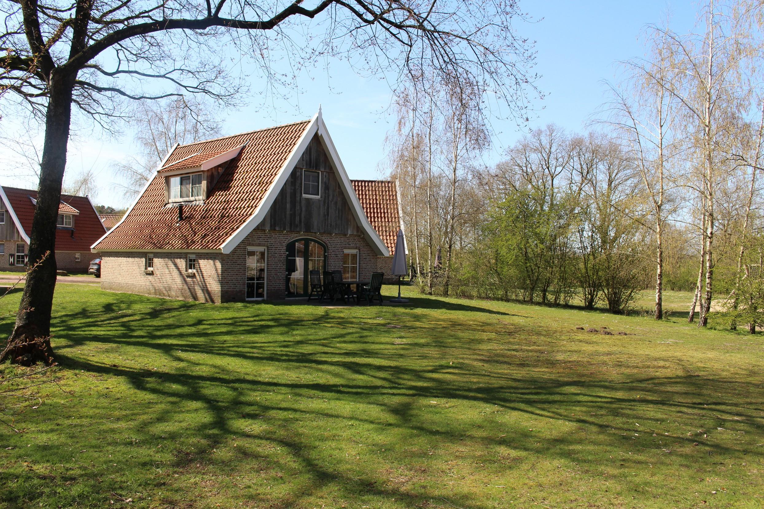 1. Landal De Hellendoornse Berg nr. 45 – 6-persoons Comfort