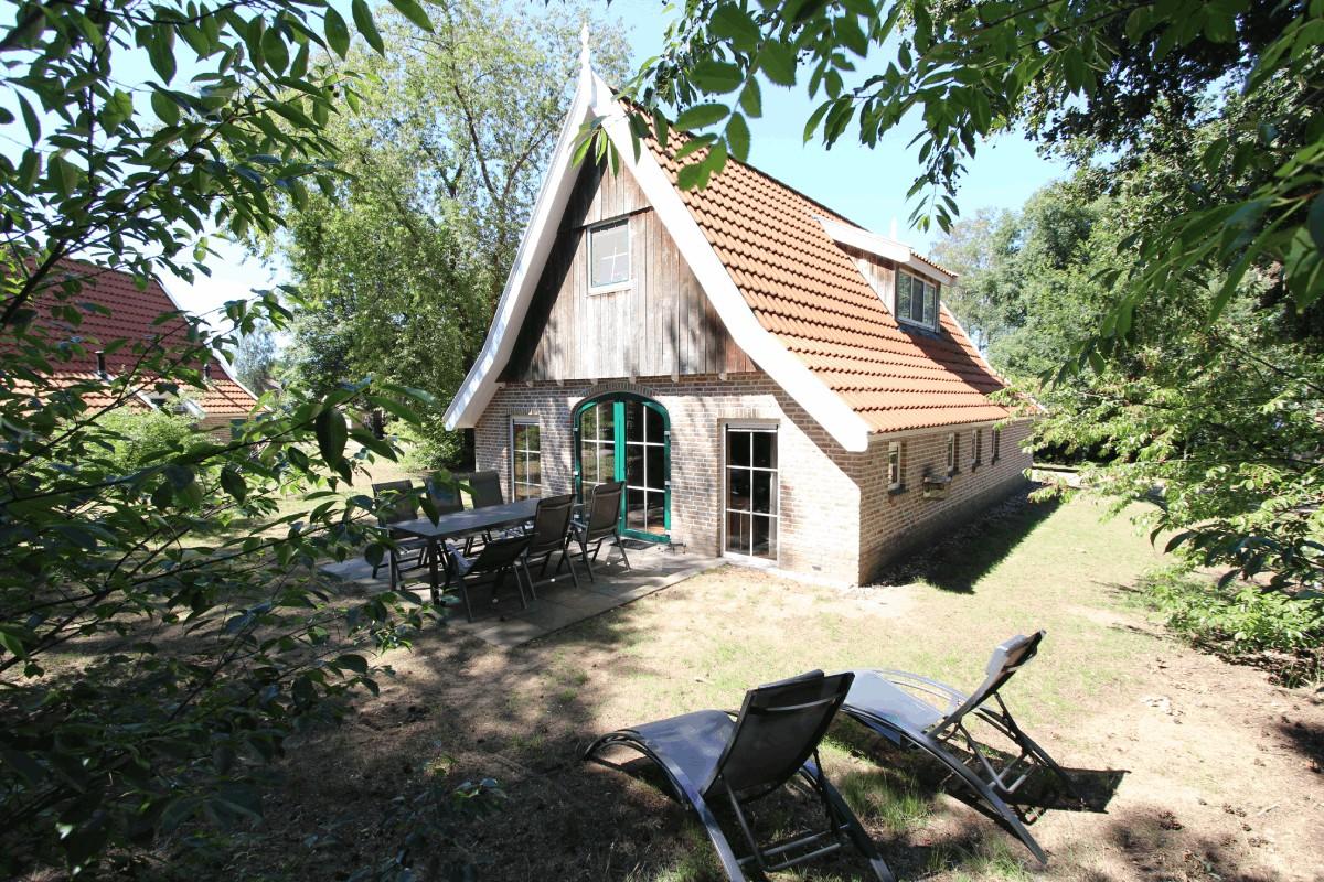 1. Landal Landgoed De Hellendoornse Berg - Recreatiewoning 149 6-persoons Luxe