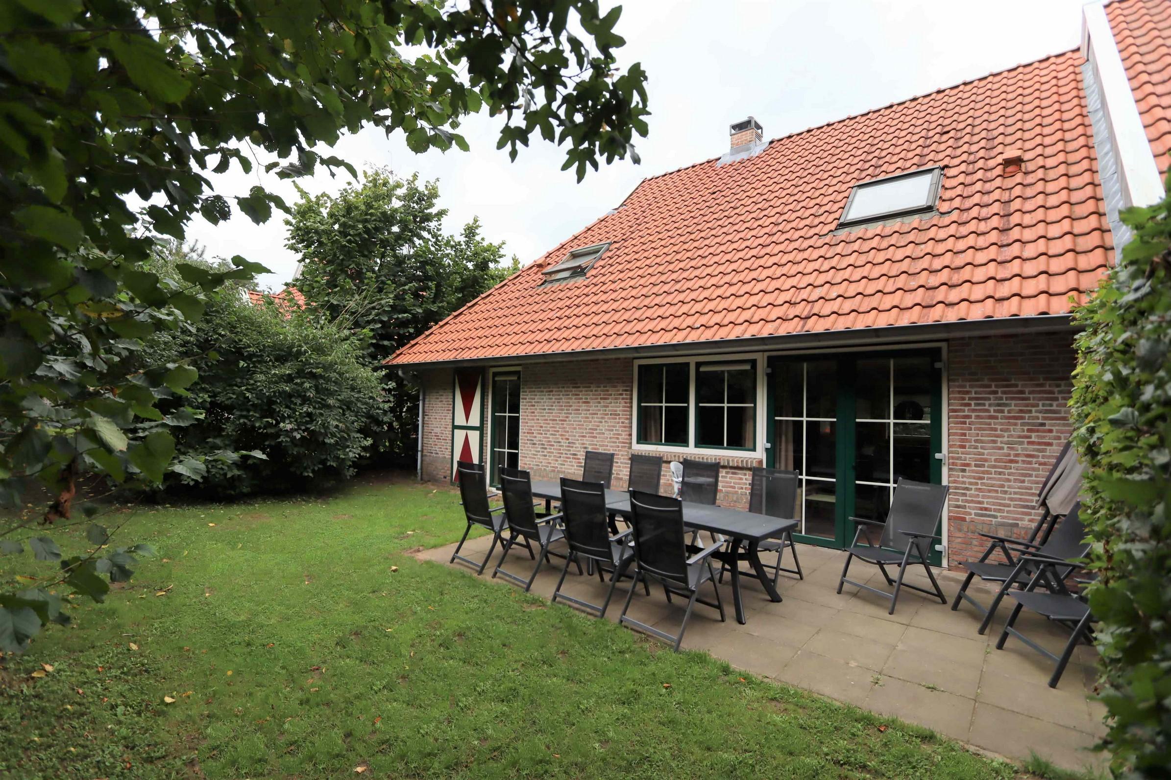 1B. Recreatiewoning nr. 5 12-persoons Landal Landgoed De Hellendoornse Berg