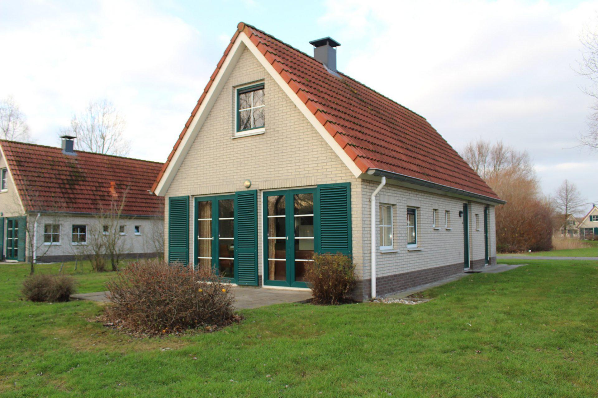 Buitenhuis 360, type Siluur 6-persoons Comfort (SR390) 1